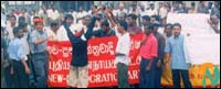 protest_colombo_3_060701.jpg