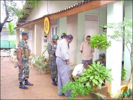 Bombs thrown at LTTE's Political Offices in Batticaloa