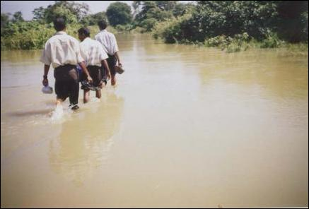 Spill water submerges Mutur villages