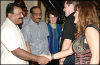 Norwegian FM and his delegation meet with LTTE leader Mr. V. Pirapaharan