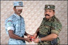 LTTE leader decorates Tiger heroes
