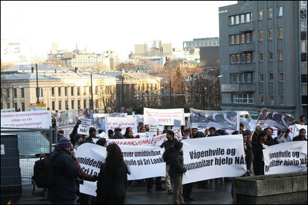 Norwegian Tamils urge Norway to stop war