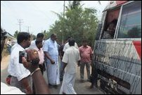 Bus carrying participants to the civil protest attacked on Punnalaikkadduvan - Chunnaakam Road