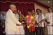 Bharathiraja was bestowed with the title 'Kiraamiyak-kalai-gnani' at the Batticaloa event