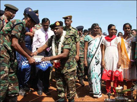 SL commander at Maaviddapuram