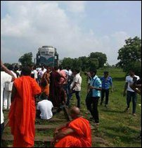 BBS monks on march towards Batticaloa
