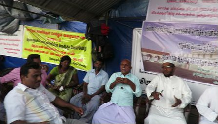 Muslims express solidarity with Keappaa-pulavu Tamils