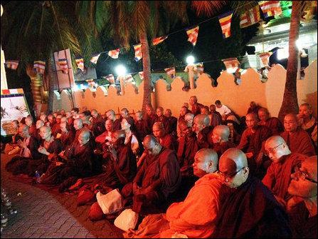 Monks visit to Nayinaatheevu