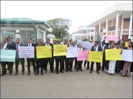 Batticaloa Bar Association protests against Neeraaviyadi court of contempt by Sinhala monks